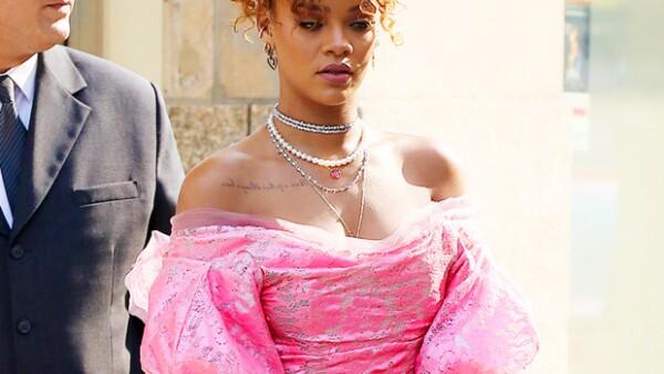 Diane Kruger se ve espectacular en terciopelo, pero Kim Kardashian se equivocó de talla y Rihanna nos tiene confundidos. ¿Es mejor vestida por divertida o es peor vestida por ochentera? Ustedes dirán.