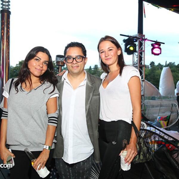 Delhy Segura,Arturo Flores y Nina Álvarez