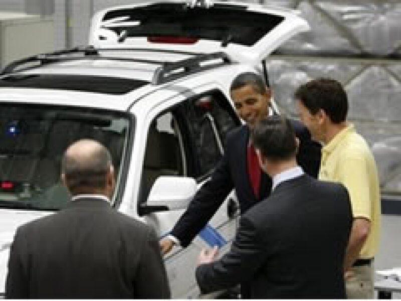 La administración de Obama tiene como meta tener un millón de autos híbridos de baterías para el 2015. (Foto: AP)