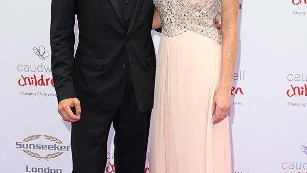 La actriz y su novio han aparecido por primera vez como pareja en la alfombra roja del Caudwell Children&#39s Butterfly Ball, celebrado en Londres.