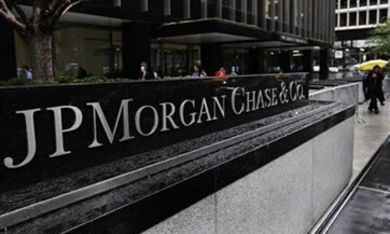 Los analistas esperaban que el banco tuviera ingresos por 24,350 mdd.  (Foto: Reuters)