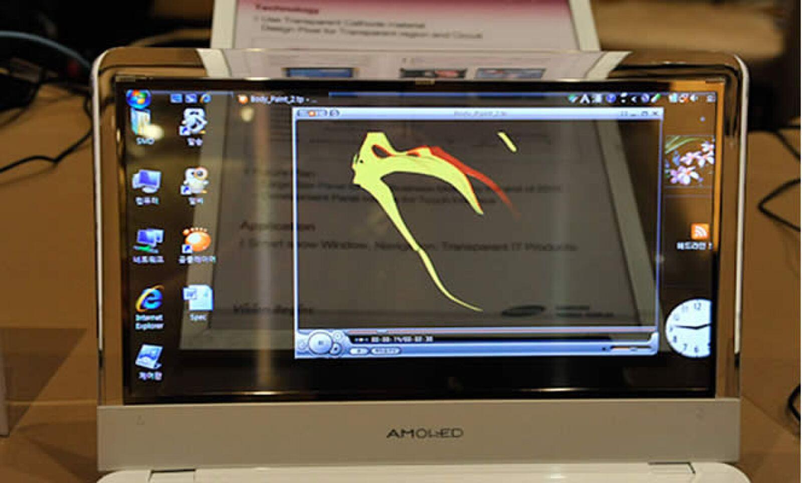La tecnológica Samsung presentó su tecnología AMOLED, la cual hace las superficies de visualización tan delgadas como el papel.