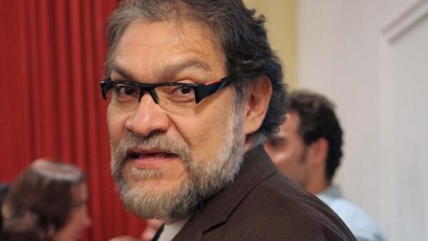 El actor mexicano también filmará la película El Arribo de Conrado Sierra, junto a Susana Dosamantes.