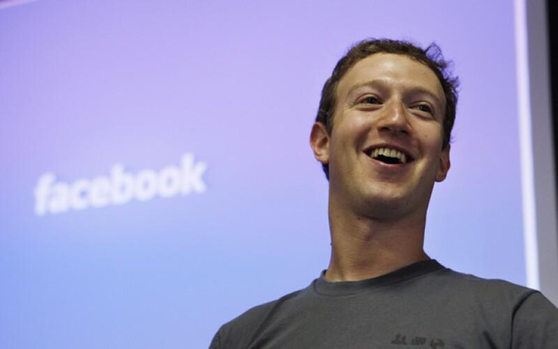 El dueño de la red social más conocida, Mark Zuckerberg, decidió invertir mil millones de dólares en la popular aplicación de fotografías