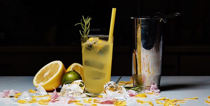 Llegó la época del año más esperada por algunos y nada mejor que disfrutar de una variedad de bebidas únicas. Te dejamos cinco opciones que seguro te encantarán.