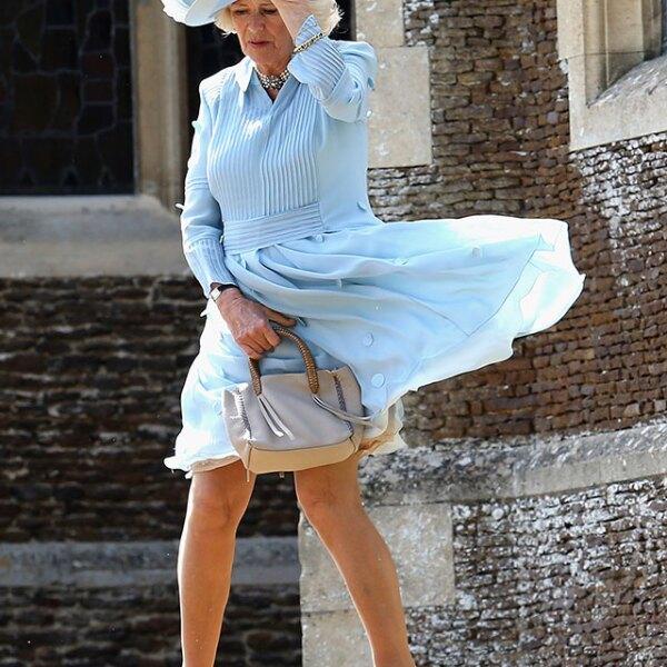 Camilla tuvo su propio momento Marilyn Monroe durante el bautizo.
