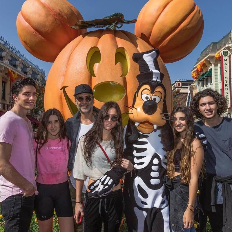 Así fue el viaje a Disneyland de Alejandro Fernández y sus hijos