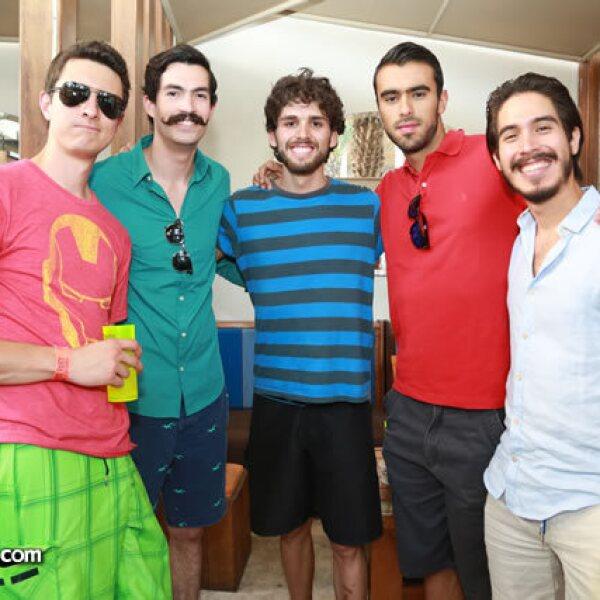 Manuel Magallanes,Jorge de Alba,Diego Permansu,Rodrigo Casar y Fabrizio Bravo