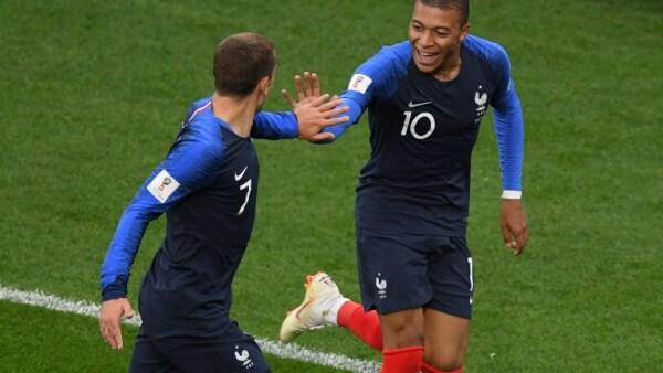 Francia avanza a octavos