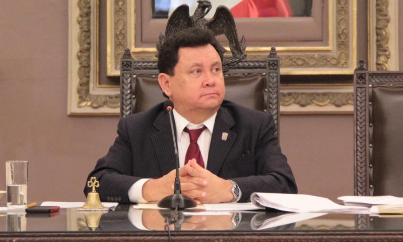 Héctor Alonso Granados congreso