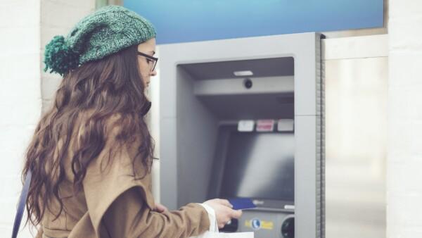 Especialistas dicen que los bancos deben generar relaciones clave con sus usuarios, de manera que quieran interactuar con ellos desde que despiertan