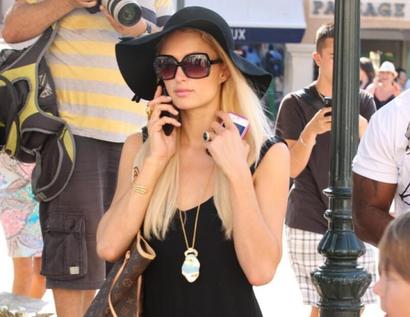 Paris Hilton es un imán para los fotógrafos por sus excentricidades y escándalos. Su naturaleza de socialité no la ha salvado de pisar la cárcel