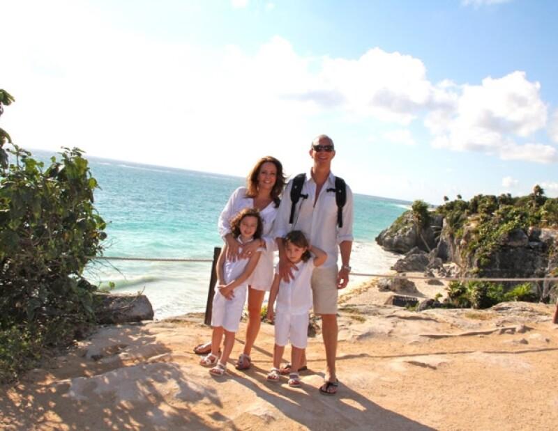 Andrea compartió con Quién.com algunos de sus momentos más felices a lado de Erik, Mía y Nina, durante sus vacaciones por el país.