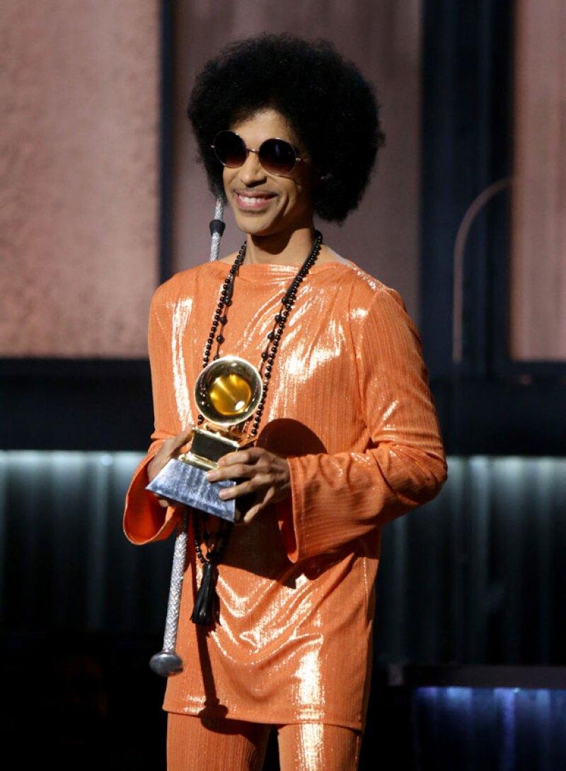 En los Grammy Awards 2015, Prince entregó un premio a Beck.