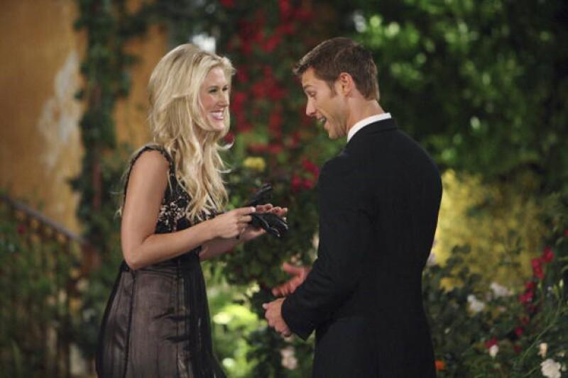 Lex se dio a conocer en la 14 temporada de The Bachelor, donde Jake Pavelka fue el protagonista soltero.