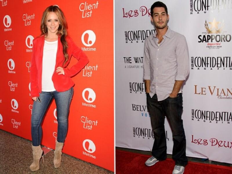 Los actores de la serie The Client List revelaron este martes su felicidad por la próxima llegada de su primogénito.