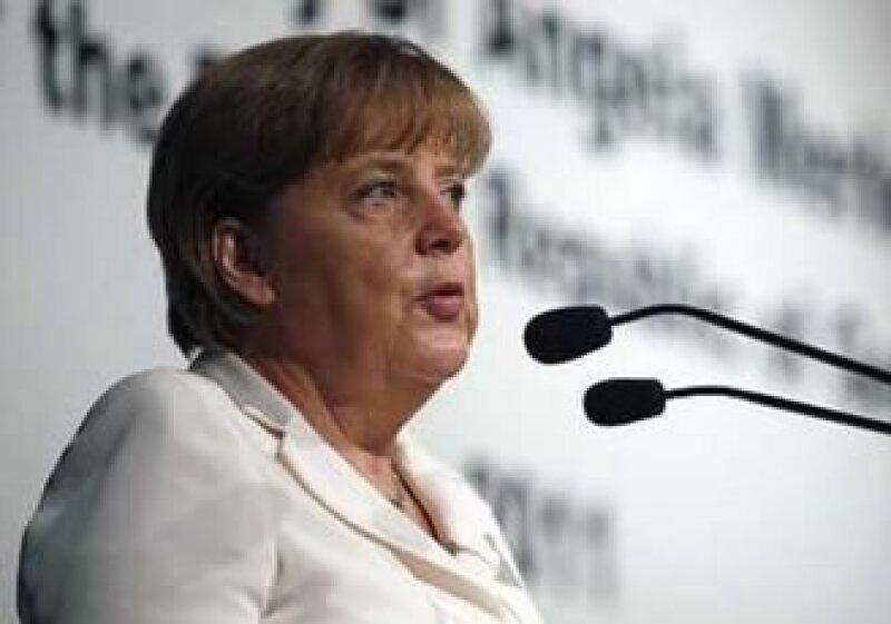 Merkel expresó públicamente su apoyo a Christine Lagarde. (Foto: Reuters)