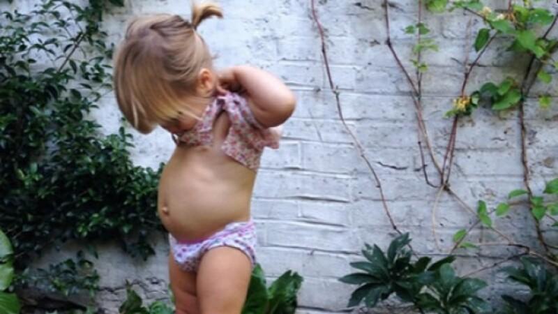La foto de la menor que causó la suspensión de la cuenta de Instagram de Courtney Adamo