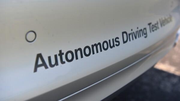 P90305034_highRes_autonomous-driving-t.jpg