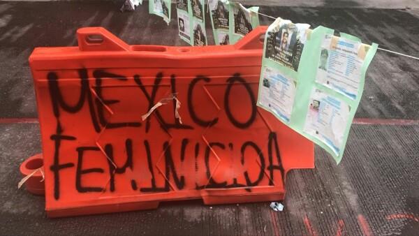 AMLO critica protestas y la toma de la Comisión Nacional de Derechos