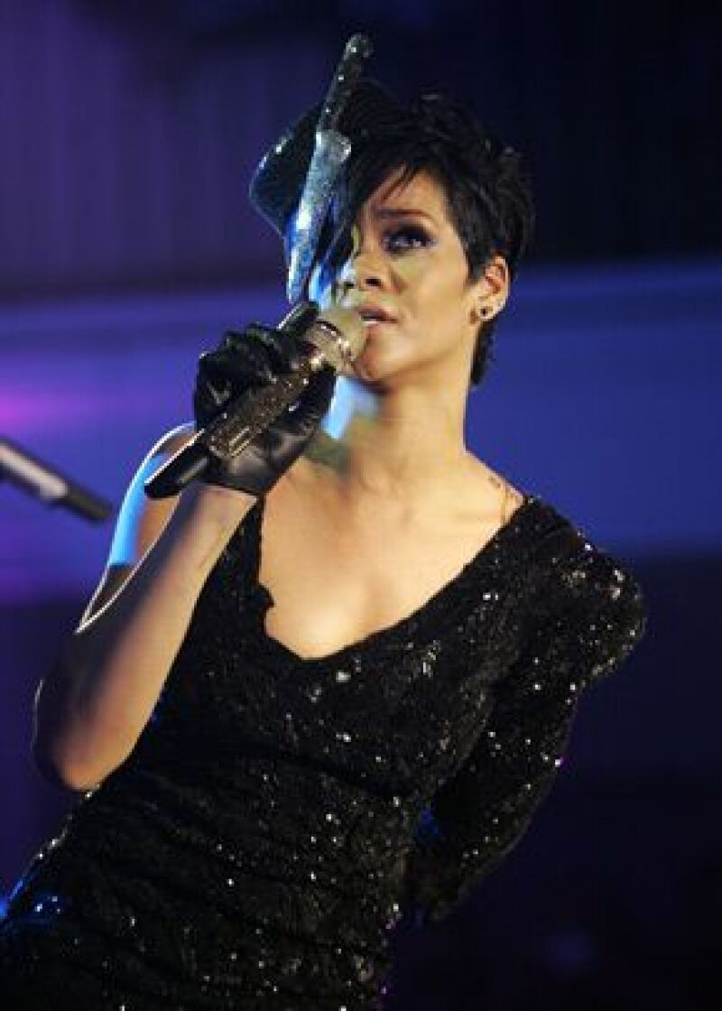 Si la ley requiere que la cantante rinda testimonio en contra de su novio deberá hacerlo.