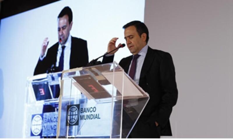 El titular de Economía, Ildefonso Guajardo, prometió que se ampliarán los recursos para los emprendedores afectados por las lluvias. (Foto: Ana Blumenkron)