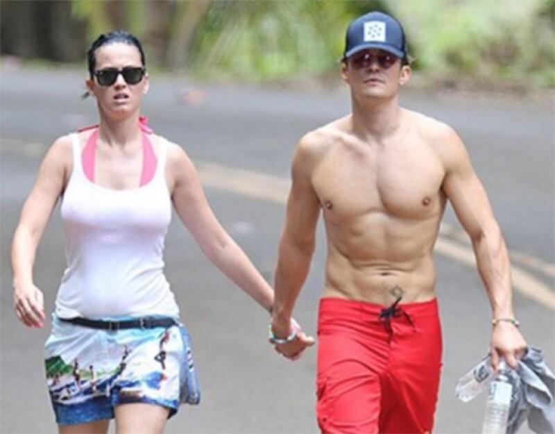 Ahora se sabe que el corazón de la cantante no es de John Mayer, sino del actor de Pirates of the Caribbean, pues ambos se dejaron ver en un viaje muy romántico en Hawái.