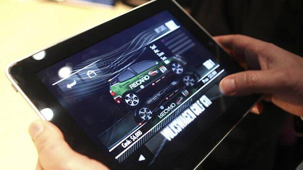 El iPad permitirá jugar juegos con una mayor resolución y calidad que su hermano menor, el iPod Touch. Electronic Arts, empresa creadora de juegos será la mayor proveedora de videojuegos.