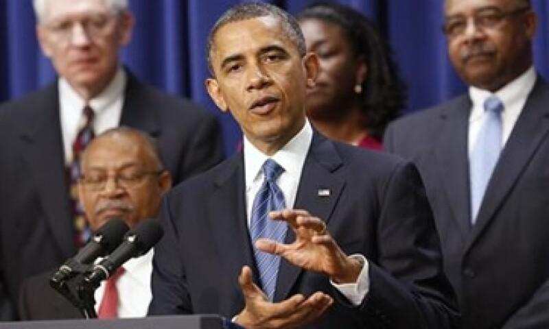 Barack Obama espera alcanzar un acuerdo para evitar el inminente abismo fiscal y recortar el déficit de presupuesto antes de Navidad. (Foto: Reuters)