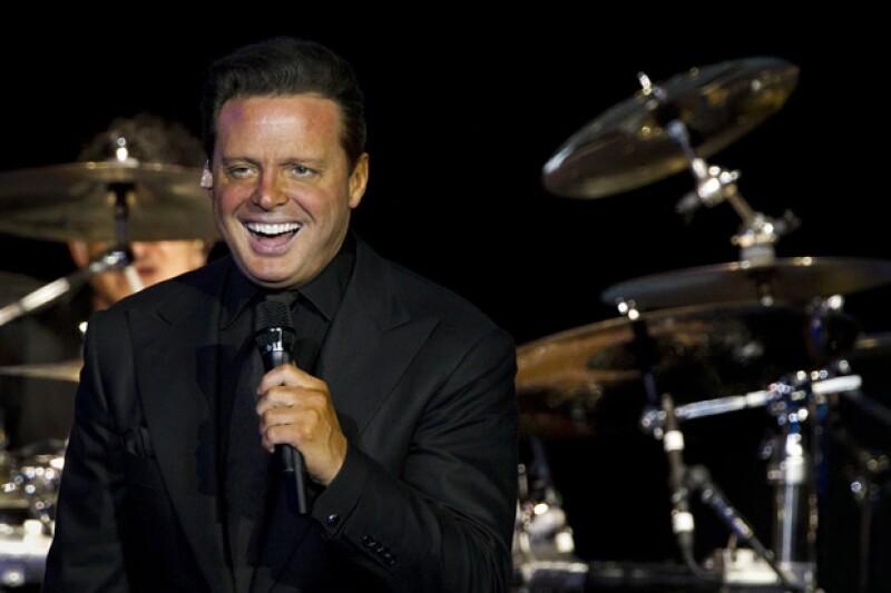 El cantante cerró la primera edición del Festival People en Español celebrado el fin de semana en San Antonio, Texas, con un espectacular concierto de más de dos horas.