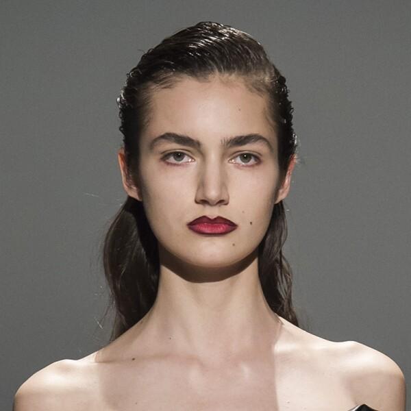 lfw-fashion-week-runway-beauty-looks-maquillaje-chalayan