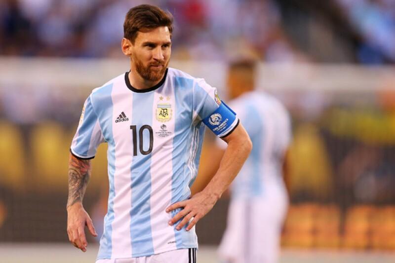 El futbolista finalmente puso punto final a los rumores a través de un comunicado.
