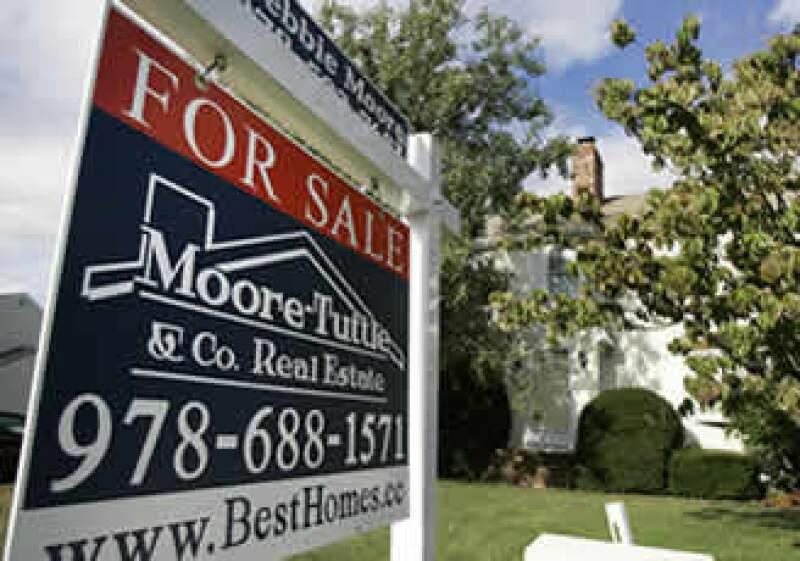 Los precios de las viviendas cayeron más de 32% en mayo. (Foto: AP)