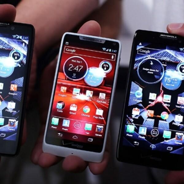 Motorola RZR smartphone