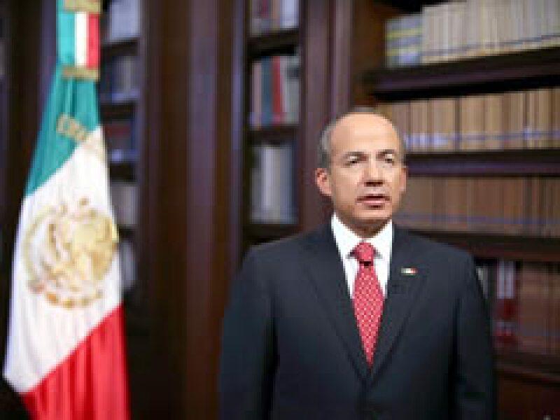 El presidente Calderón dio un mensaje a la nación por el nuevo virus de la influenza. (Foto: Notimex)