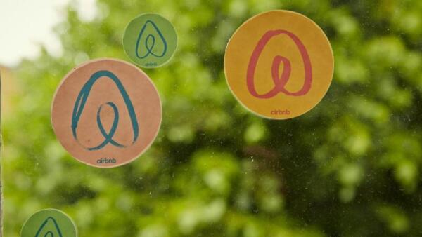Airbnb busca alianza con gobiernos