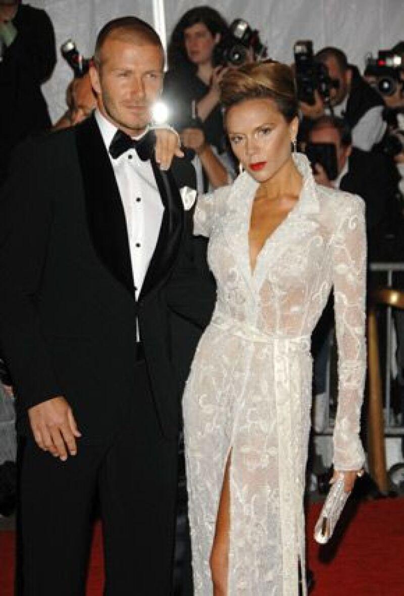 Stan Lee piensa que el jugador de futbol y su esposa Victoria Beckham podrían ser los perfectos candidatos para su siguiente publicación.