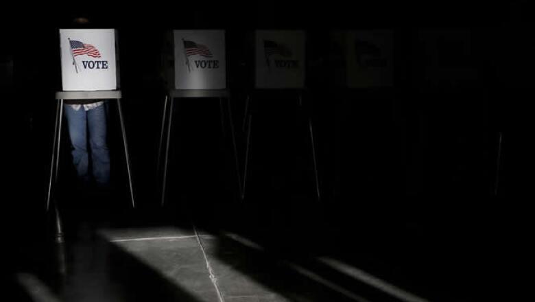 Se espera que al menos 120 millones de estadounidenses voten para otorgar a Obama un segundo mandato o reemplazarlo por Romney, con la economía como uno de los temas clave.