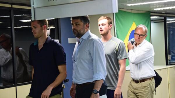 Jack Conger y Gunnar Bentz fueron retenidos antes de regresar a su país, Estados Unidos, para rendir declaración sobre el supuesto asalto del que fueron víctimas en los Juegos Olímpicos.