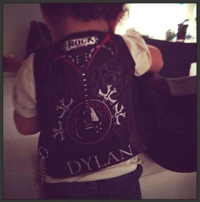 Dylan, a sus cuatro años, ya demuestra que lleva la música en la sangre.