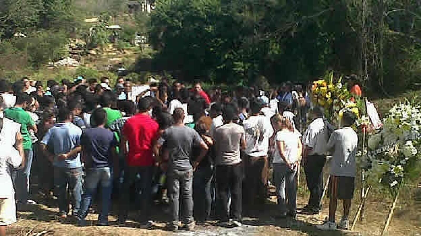 Funeral en Atoyac  de Jorge Alexis, alumno de Ayotzinapa, Guerrero 4