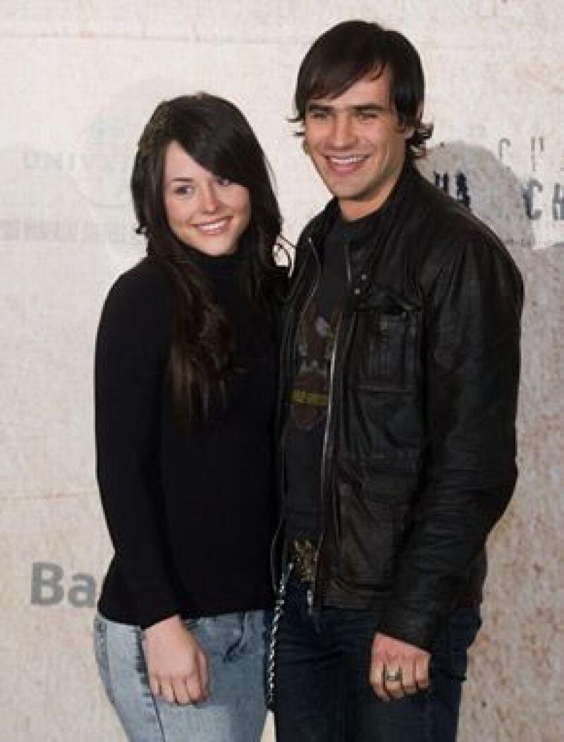Como muestra de su amor, hace poco Zuria y Jorge se hicieron unos tatuajes en el brazo izquierdo que dice: Me enamoré de ti.