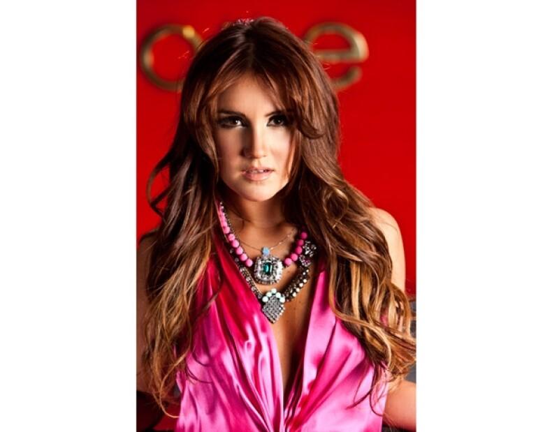 La cantante mexicana se declaró fan de la banda estadounidense.
