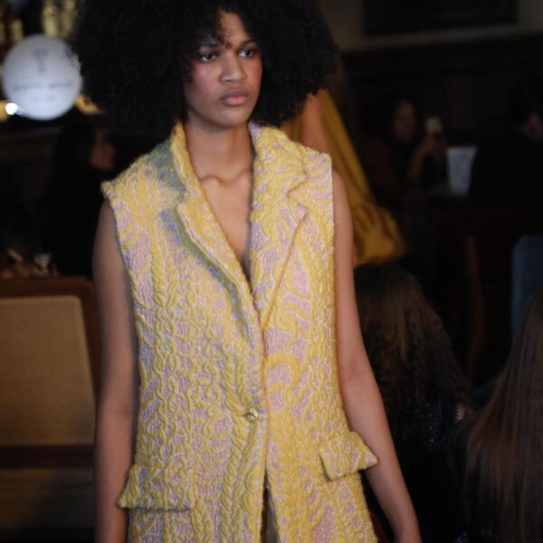 Sandra-Weil-MBFWMX-Runway-Yellow-Vest-Look