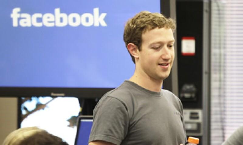 Abogados de Facebook, empresa con un valor calculado de por lo menos 50,000 millones de dólares, dicen que la demanda es un fraude. (Foto: AP)