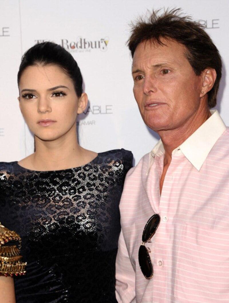 Durante el roast de Justin Bieber, Kendall se tomó la oportunidad de hablar sobre la transición de su padre en backstage, donde confesó cuánto ama a su padre sin importar su género.
