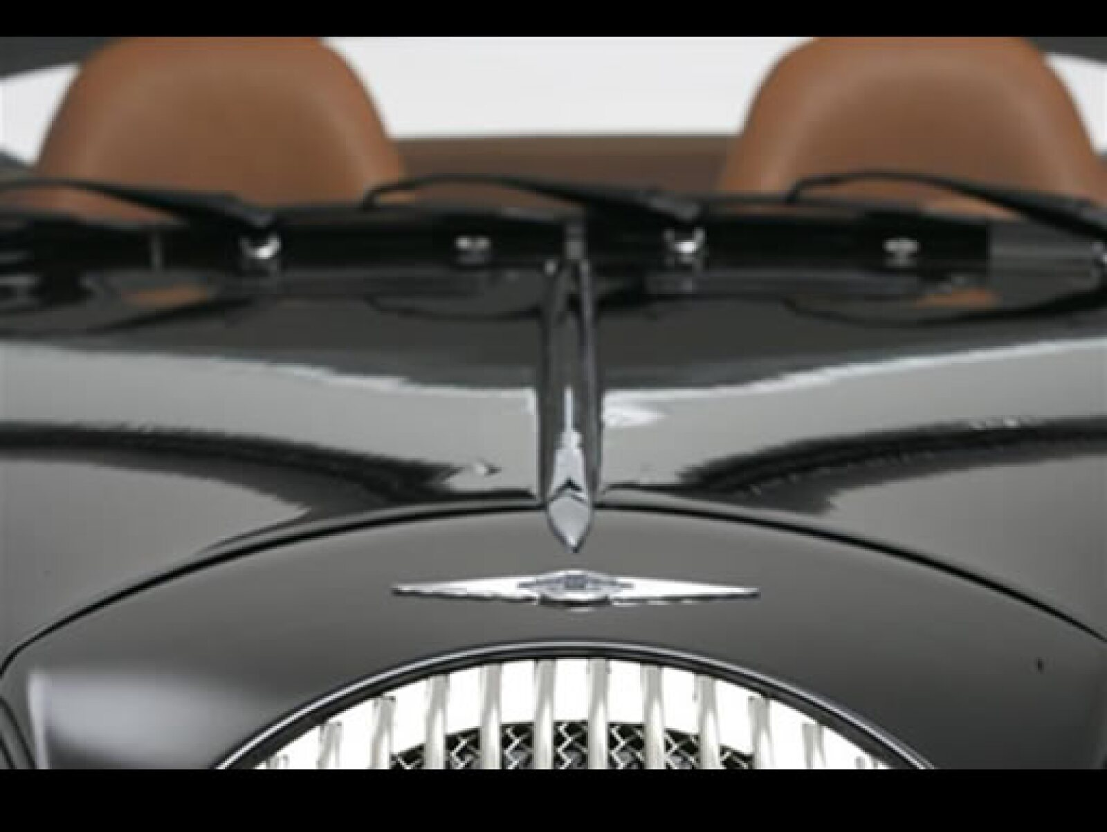 Según Charles Morgan, el nieto del fundador de la marca, El Aero SuperSports es un flamante vehículo deportivo de lujo que también sigue siendo fiel a la filosofía de la marca, ligero, sencillo y minimalista.