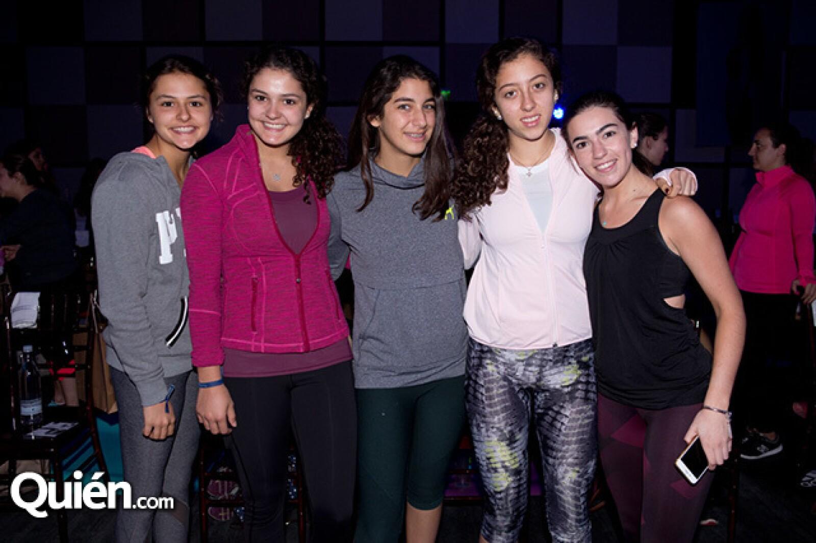 Natalia Van, Ximena Van, Ileana Neme, Valeria Sli y Covadonga Gallego