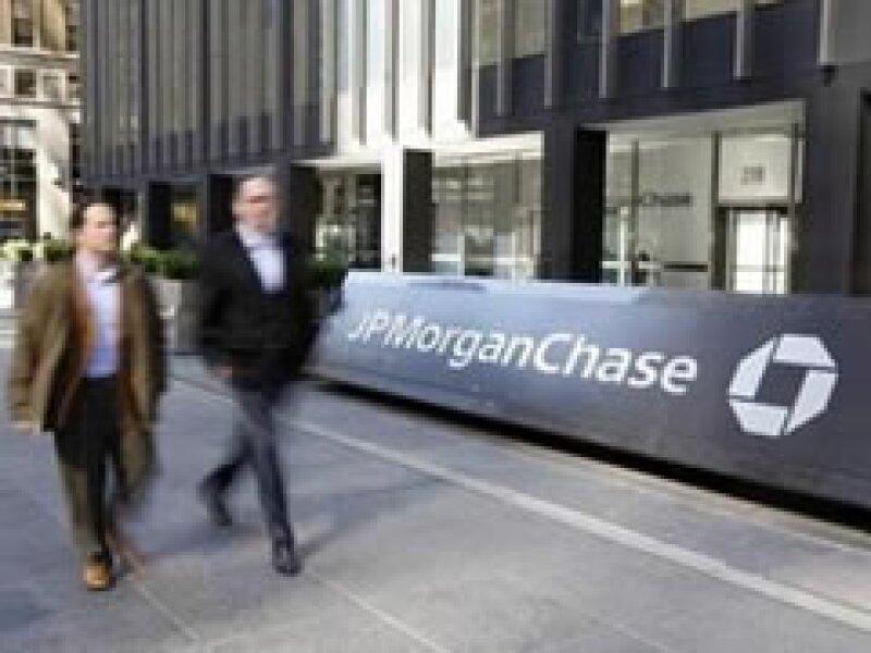Los ingresos de JP Morgan subieron un 45% en el primer trimestre, a 25,000 millones de dólares. (Foto: Archivo)