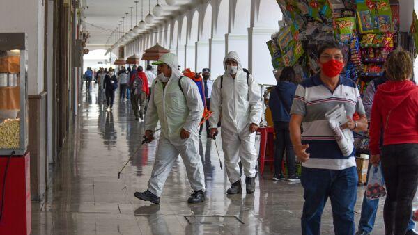 Espacios públicos en Toluca están siendo más frecuentados por la población a pesar de continuar el Semáforo en Rojo en el Estado de México.